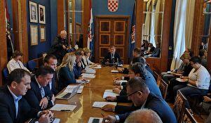 Gradnja prometnica, obnova škole na Ploči, projekt prehrane, programi u ekologiji i kulturi....