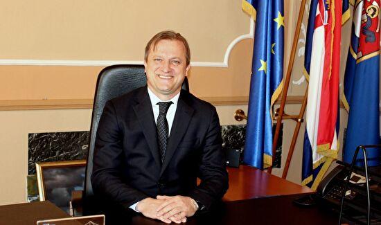 Novogodišnja čestitka gradonačelnika Branka Dukića