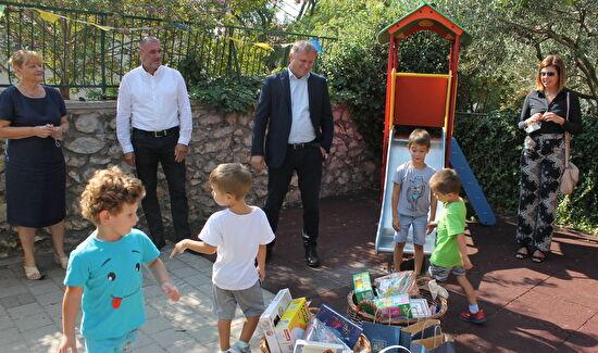 """Gradonačelnik Dukić posjetio dječji vrtić """"Vladimir Nazor"""" u Arbanasima"""