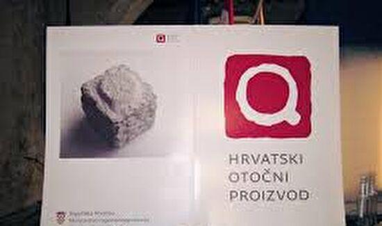 Javni poziv za kandidiranje manifestacija koje bi se sufinancirale iz Državnog proračuna Republike Hrvatske za 2015. godinu i projekcija za 2016. i 2017. godinu