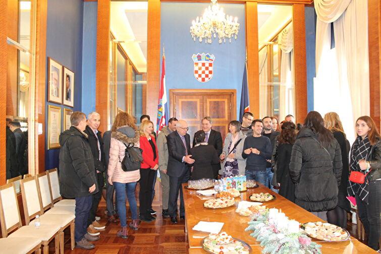 Gradonačelnik Božidar Kalmeta primio novinare